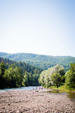 Ο ποταμός στα βουνά Στοκ Εικόνες