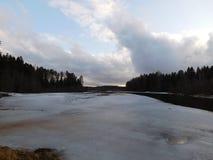 Ο ποταμός στον πάγο Στοκ Εικόνες