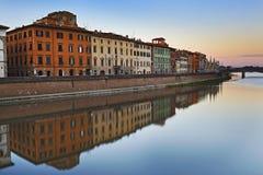 Ο ποταμός της Πίζας απεικονίζει Στοκ φωτογραφίες με δικαίωμα ελεύθερης χρήσης