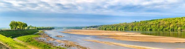 Ο ποταμός της Loire μεταξύ της Angers και Saumur, Γαλλία Στοκ φωτογραφίες με δικαίωμα ελεύθερης χρήσης