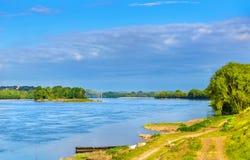 Ο ποταμός της Loire μεταξύ της Angers και Saumur, Γαλλία Στοκ Εικόνες
