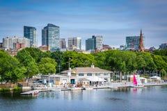 Ο ποταμός του Charles και ο ορίζοντας της Βοστώνης, που βλέπει από το Longfellow Β Στοκ Εικόνα