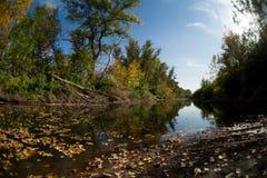 Ο ποταμός φορά Στοκ εικόνες με δικαίωμα ελεύθερης χρήσης