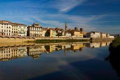 Ο ποταμός Arno της Φλωρεντίας Στοκ Εικόνες
