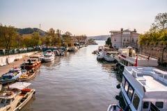 Ο ποταμός Goksu είναι ένας δημοφιλής προορισμός για τον τουρίστα και τους ντόπιους στοκ φωτογραφίες με δικαίωμα ελεύθερης χρήσης