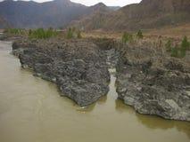 Ο ποταμός Katun, στην περιοχή AI Βουνό Altai στοκ εικόνα