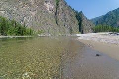 Ο ποταμός Oka Sayanskaya Σιβηρία, Ρωσία στοκ εικόνα