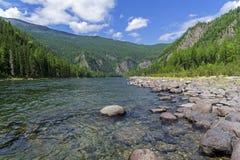 Ο ποταμός Oka Sayanskaya Σιβηρία, Ρωσία στοκ φωτογραφία με δικαίωμα ελεύθερης χρήσης