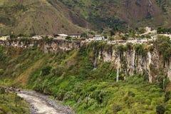 Ο ποταμός Pastaza και η μικρή πόλη Banos στον Ισημερινό Στοκ φωτογραφία με δικαίωμα ελεύθερης χρήσης