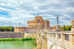 Ο ποταμός Tiber, γέφυρα Ponte Sant ` Angelo, Sant ` Angelo Castle ρ Στοκ φωτογραφία με δικαίωμα ελεύθερης χρήσης