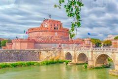 Ο ποταμός Tiber, γέφυρα Ponte Sant ` Angelo, Sant ` Angelo Castle ρ Στοκ Φωτογραφία