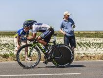 Ο ποδηλάτης Nairo Αλέξανδρος Quintana Rojas- άσπρο Τζέρσεϋ Στοκ Εικόνα