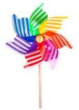 Ο πολύχρωμος κλώστης αέρα κήπων ανεμόμυλων παιχνιδιών Pinwheel στην άσπρη εικόνα περιέλαβε την πορεία ψαλιδίσματος στοκ φωτογραφία