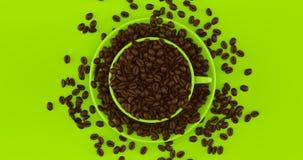 Ο πράσινος καφές ασβέστη κοιλαίνει ένα σύνολο πιατακιών των φασολιών καφέ στοκ εικόνες με δικαίωμα ελεύθερης χρήσης