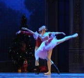 Ο πρίγκηπας και η Κλάρα κουκλών που χορεύουν - ο καρυοθραύστης μπαλέτου Στοκ εικόνα με δικαίωμα ελεύθερης χρήσης