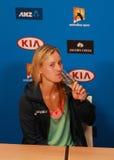 Ο πρωτοπόρος Angelique Kerber του Grand Slam της Γερμανίας γιορτάζει τη νίκη κατά τη διάρκεια της συνέντευξης τύπου σε Αυστραλό α Στοκ φωτογραφίες με δικαίωμα ελεύθερης χρήσης