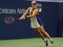 Ο πρωτοπόρος Angelique Kerber του Grand Slam της Γερμανίας στη δράση κατά τη διάρκεια της πρώτης στρογγυλής αντιστοιχίας της στις Στοκ Φωτογραφία