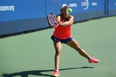 Ο πρωτοπόρος Angelique Kerber του Grand Slam των πρακτικών της Γερμανίας για τις ΗΠΑ ανοίγει το 2016 Στοκ Εικόνα