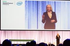 Ο Πρόεδρος και Διευθύνων Σύμβουλος Meg Whitman HPE παραδίδει μια ομιλία Στοκ εικόνα με δικαίωμα ελεύθερης χρήσης