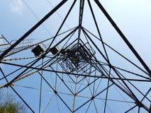 Ο πυλώνας cableway που συνδέει τις πόλεις Albino και Selvino στοκ εικόνες