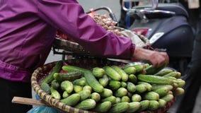 Ο πωλητής στη βιετναμέζικη αγορά φιλμ μικρού μήκους
