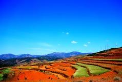 Ο πύργος αιολικής ενέργειας στην κόκκινη εδαφολογική φυσική περιοχή Dongchuan στοκ φωτογραφίες με δικαίωμα ελεύθερης χρήσης
