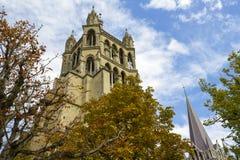 Ο πύργος καθεδρικών ναών Στοκ Φωτογραφίες