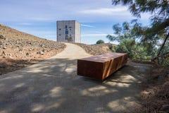 Ο πύργος ραντάρ άφησε τη στάση πάνω από το υποστήριγμα Umunhum Στοκ εικόνα με δικαίωμα ελεύθερης χρήσης