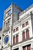 ο πύργος ρολογιών στο τετράγωνο SAN Marco στη Βενετία Στοκ Εικόνες