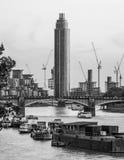 Ο πύργος στην αποβάθρα του ST George στο Λονδίνο - το ΛΟΝΔΊΝΟ - τη ΜΕΓΆΛΗ ΒΡΕΤΑΝΊΑ - 19 Σεπτεμβρίου 2016 Στοκ εικόνες με δικαίωμα ελεύθερης χρήσης