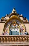 Ο πύργος σχεδίου διακοσμήσεων όπως μια εκκλησία ή έναν ναό είναι μια θέση ιστορίας όμορφο κτήριο αρχιτεκτονικής στην Ασία έλξη la στοκ εικόνες