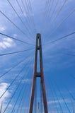 Ο πύργος της καλώδιο-μένοντης γέφυρας Στοκ Εικόνα