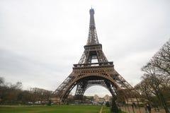 Ο πύργος του Άιφελ στο Παρίσι, η πιό romatic αρχιτεκτονική συμβόλων στην Ευρώπη που βρίσκεται στη Γαλλία Στοκ Εικόνες