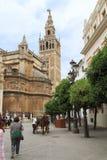 Ο πύργος Giralda στον καθεδρικό ναό της Σεβίλης στοκ φωτογραφία με δικαίωμα ελεύθερης χρήσης