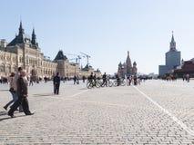 Ο πύργος Spasskaya στην κόκκινη πλατεία άνοιξε μετά από την αποκατάσταση στοκ φωτογραφία με δικαίωμα ελεύθερης χρήσης