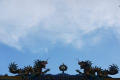 Ο δράκος και ο ουρανός Στοκ φωτογραφία με δικαίωμα ελεύθερης χρήσης