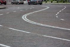 Ο δρόμος από μια πέτρα εμποδίζει το κέντρο της πόλης Στοκ Εικόνες