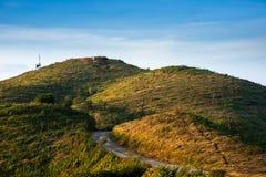 Ο δρόμος με το βουνό Στοκ Εικόνες