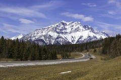 Ο δρόμος σε Banff Στοκ φωτογραφία με δικαίωμα ελεύθερης χρήσης