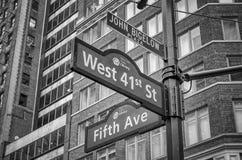 5ο σημάδι λεωφόρων, Νέα Υόρκη Στοκ Φωτογραφίες