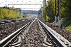 Ο σιδηρόδρομος πηγαίνει στην απόσταση ημέρα ηλιόλουστη πολλοί τρόποι χειμώνας της Ρωσίας περιοχών καρτών του Κρεμλίνου Μόσχα καθε στοκ φωτογραφία με δικαίωμα ελεύθερης χρήσης
