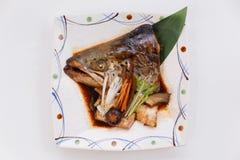 Ο σολομός Kabutoni είναι σολομός επικεφαλής Bolied με Shiitake, το μανιτάρι, το καρότο και Tofu στη σάλτσα σόγιας Στοκ εικόνες με δικαίωμα ελεύθερης χρήσης