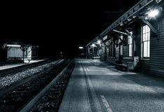 Ο σταθμός τρένου τη νύχτα, πορθμείο Harper, δυτική Βιρτζίνια Στοκ Εικόνες