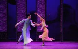 Ο στενός δρόμος η σύγκρουση-δεύτερη πράξη των γεγονότων δράμα-Shawan χορού του παρελθόντος στοκ εικόνα