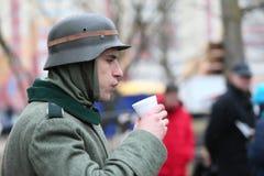 Ο στρατιώτης τρώει Στοκ εικόνες με δικαίωμα ελεύθερης χρήσης