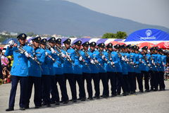 Ο στρατός της Ταϊλάνδης στις 9 Ιανουαρίου 2016 παρουσιάζει την ημέρα παιδιών στοκ εικόνες