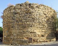 Ο στρογγυλός πύργος στη Κερύνεια, τουρκική ελεγχόμενη περιοχή της Κύπρου Στοκ Εικόνα