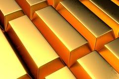 Ο σωρός πολύς χρυσοί φραγμοί κλείνει αυξημένος Στοκ Εικόνες