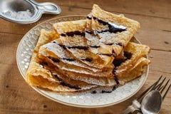 Ο σωρός πρόσφατα καμένος τηγανισμένος γλυκαμένος Crepe στοκ φωτογραφίες με δικαίωμα ελεύθερης χρήσης
