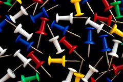 Ο σωρός των διαφοροποιημένων καρφιτσών ώθησης Στοκ εικόνα με δικαίωμα ελεύθερης χρήσης